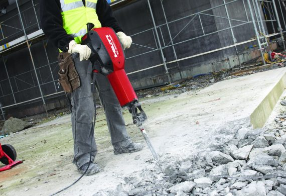 Hilti TE3000 powerful concrete demolition hammer
