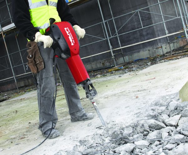 Hilti TE3000 powerful concrete demolition hammer
