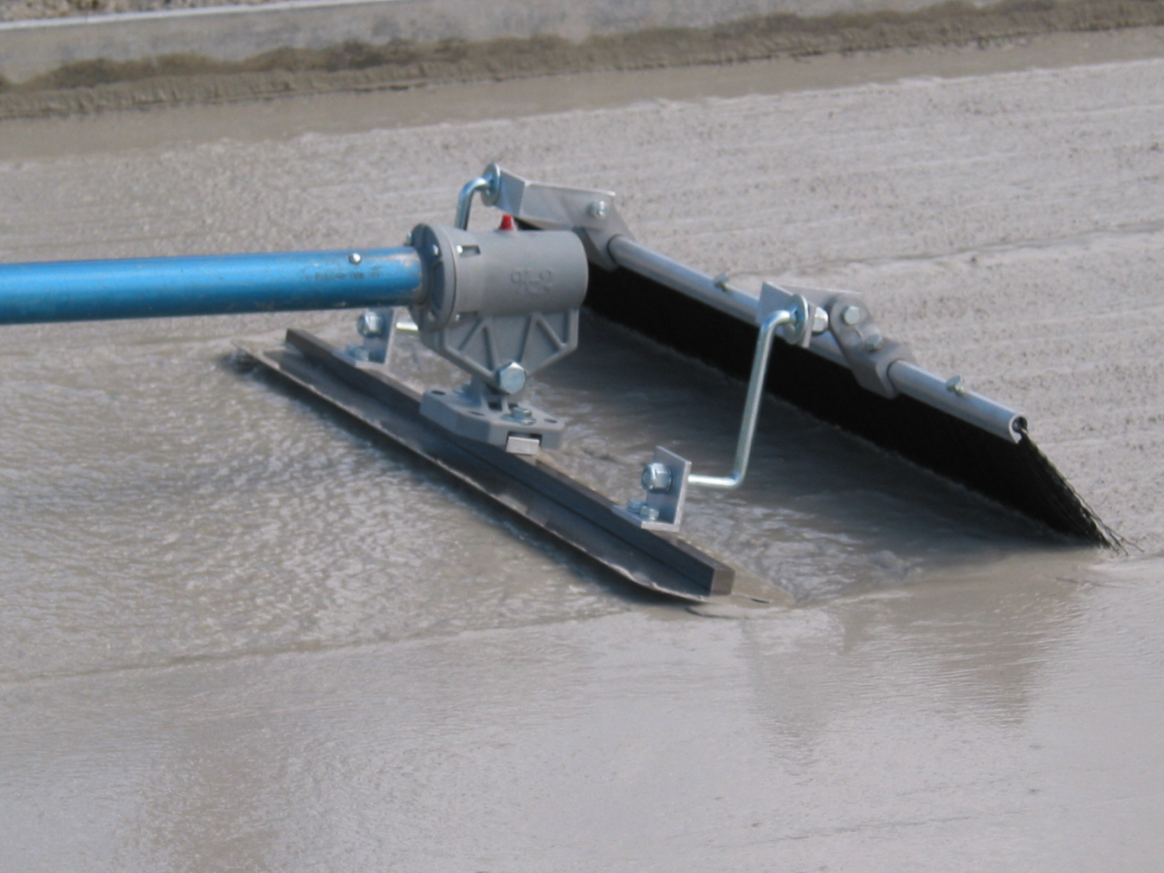 Traction Equipment Floats And Screeds
